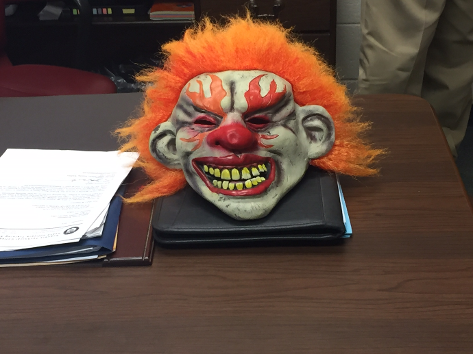 UPDATE| Teens found with clown mask in McDuffie helps put community at ease